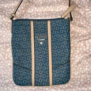 Guess Bags - Guess crossbody purse